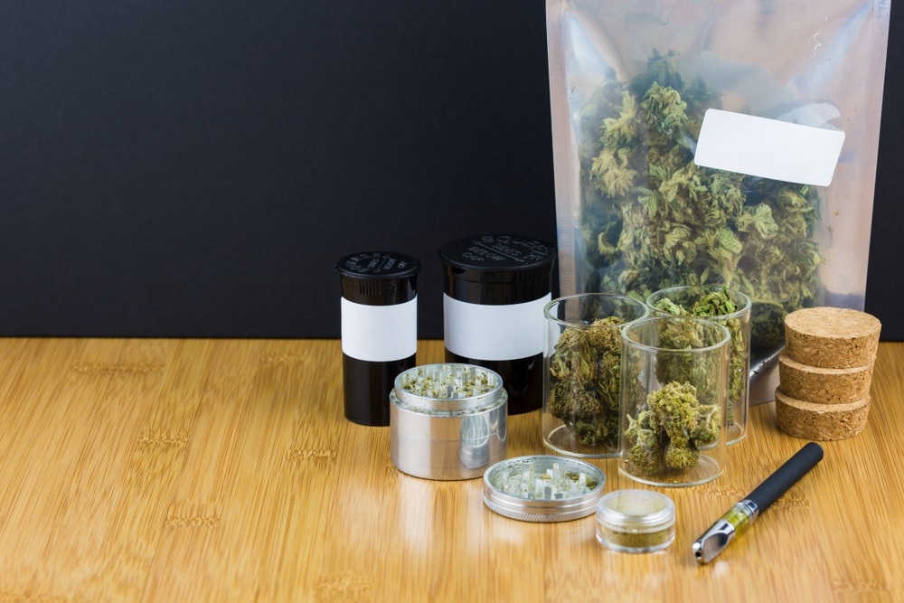legalizing cannabis in Spain photo