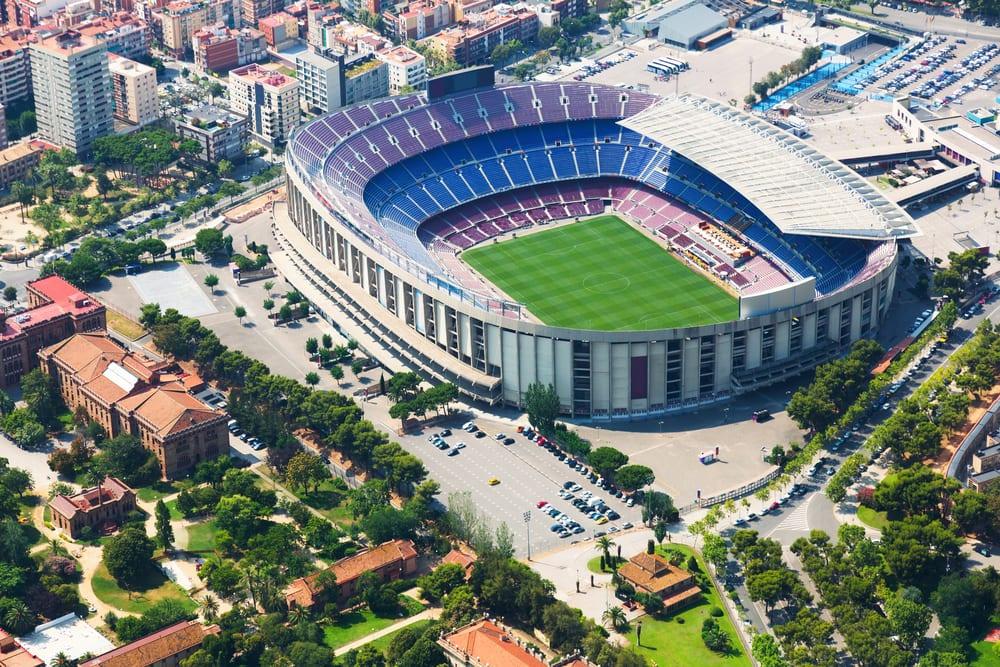 «Камп Ноу» — стадион футбольного клуба «Барселона» с высоты птичьего полета